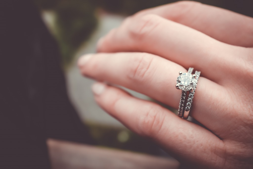 How to Buy an Engagement Ring on Ebay